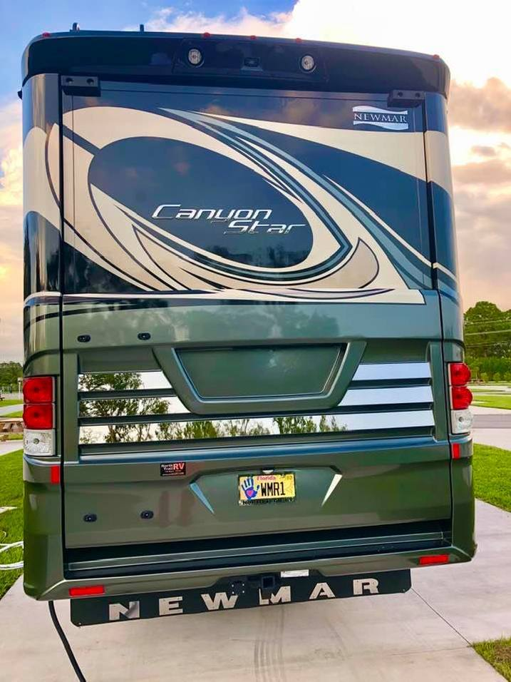 2020 NEWMAR CANYON STAR 3927 TOY HAULER